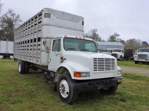 great shape 1993 International 4900 Livestock Hauler truck for sale
