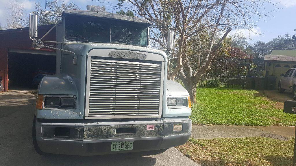 new parts 1994 Freightliner FLD120 truck