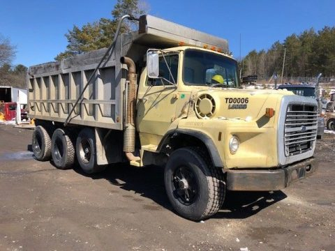 solid 1989 Ford L9000 truck for sale