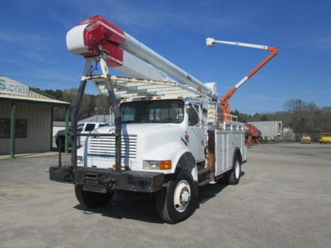 strong 1991 International 4800 truck for sale