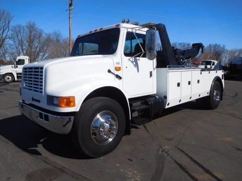 reconditioned 1995 International 4900 tow truck for sale