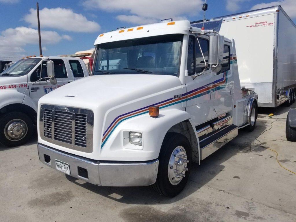 Runs perfect 1997 Freightliner FL50 truck