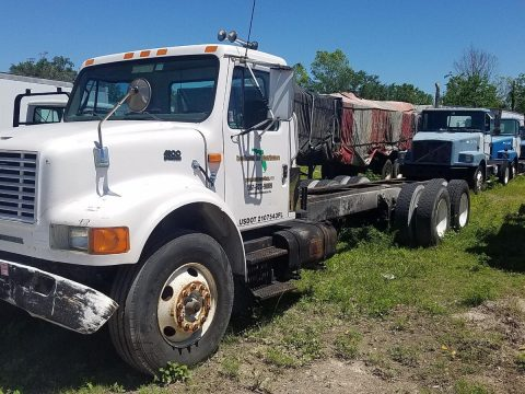 strong 1997 International 4900 truck for sale