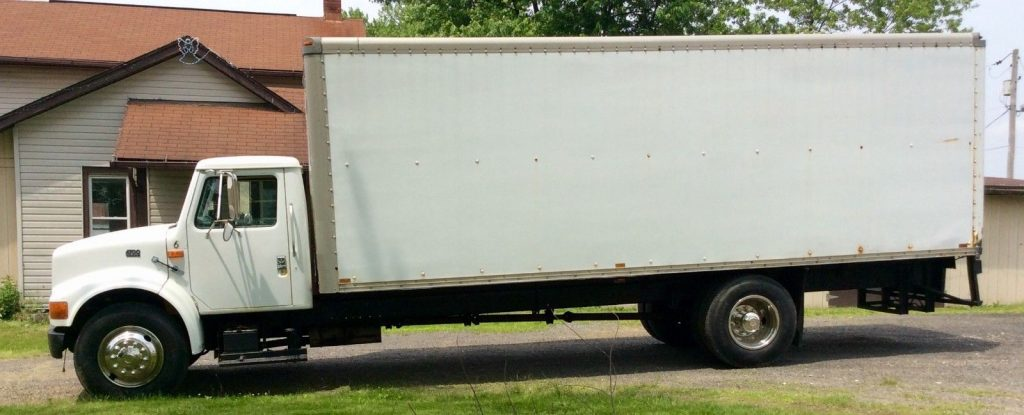 WELL MAINTAINED 1996 International 4700 truck
