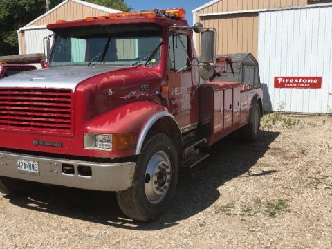 great shape 1998 International tow truck for sale