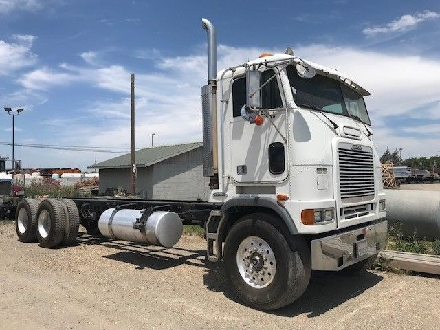 some issues 1998 Freightliner truck
