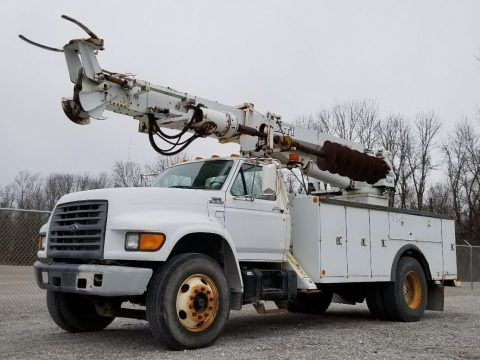 low miles 1999 Ford F800 truck for sale