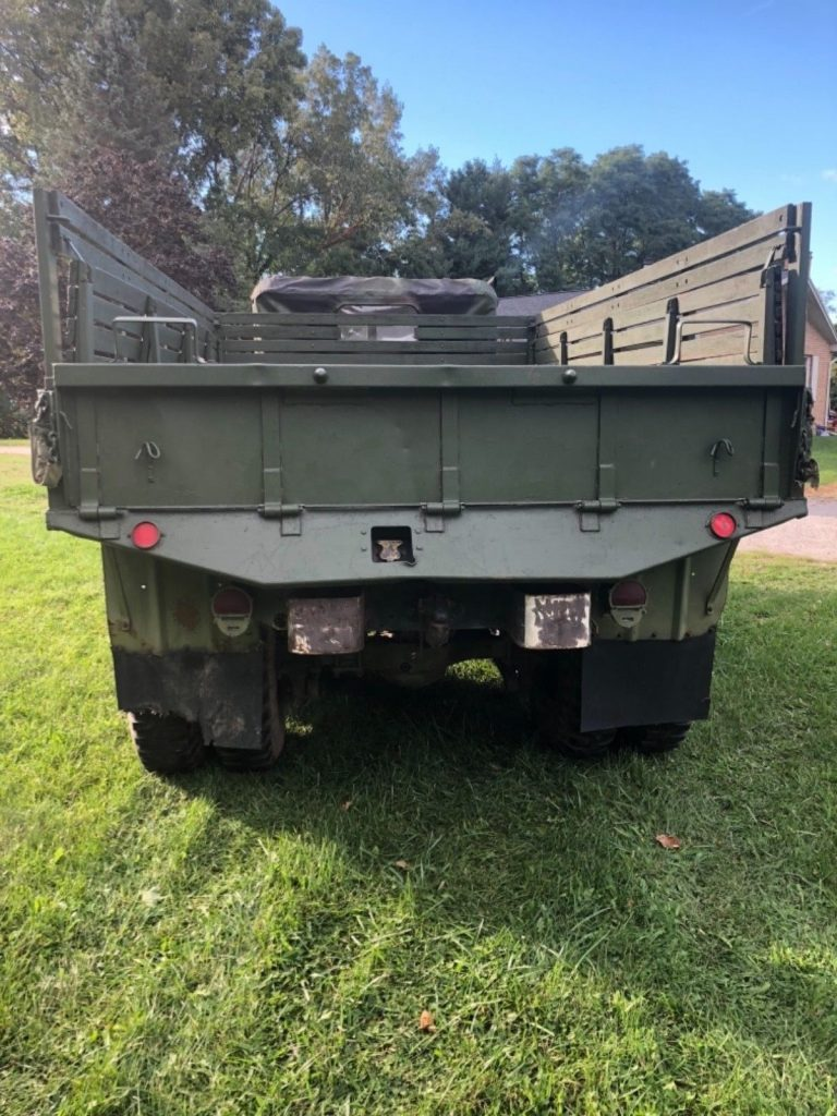 solid 1971 Kaiser Jeep M35a2 6×6 military truck