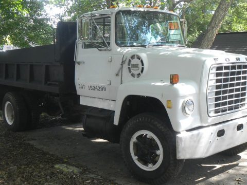 very reliable and solid 1972 Ford L 900 truck for sale