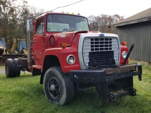 cab and chassis 1985 Ford L Series truck for sale