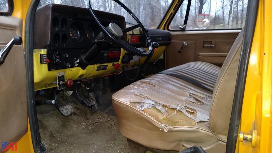 low miles 1984 GMC bucket truck