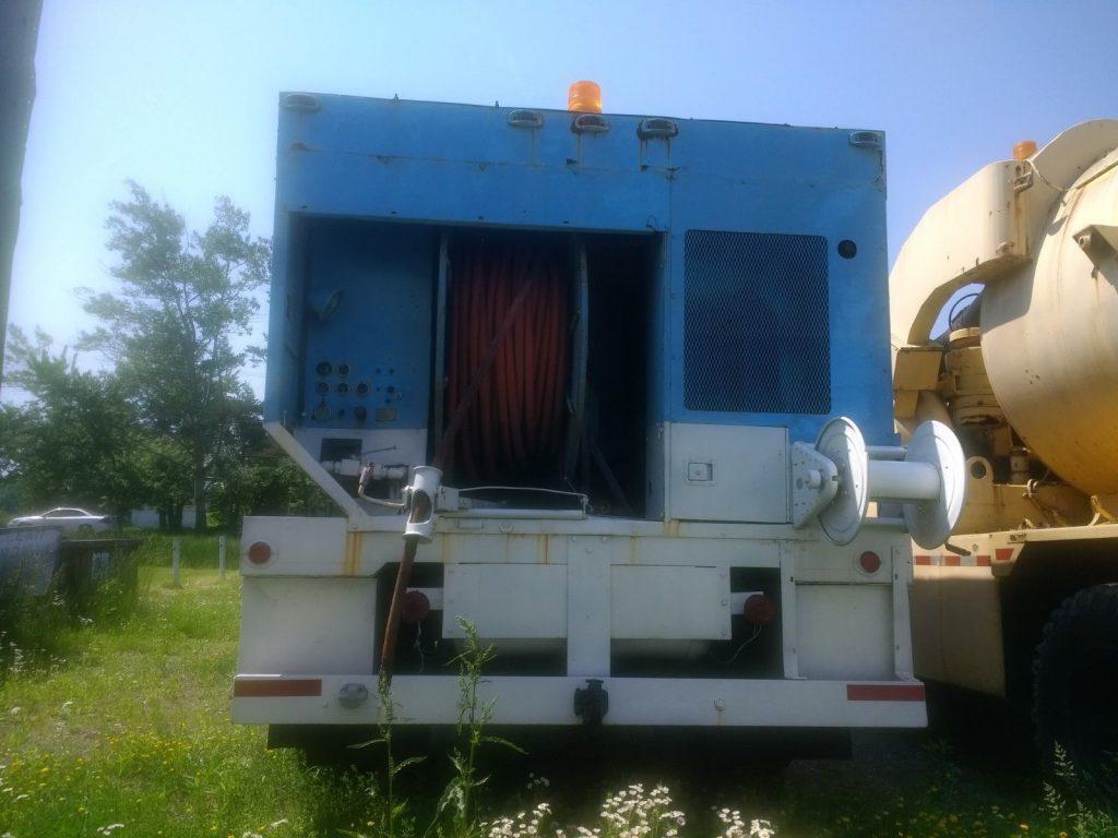 strong 1985 GMC C7000 truck