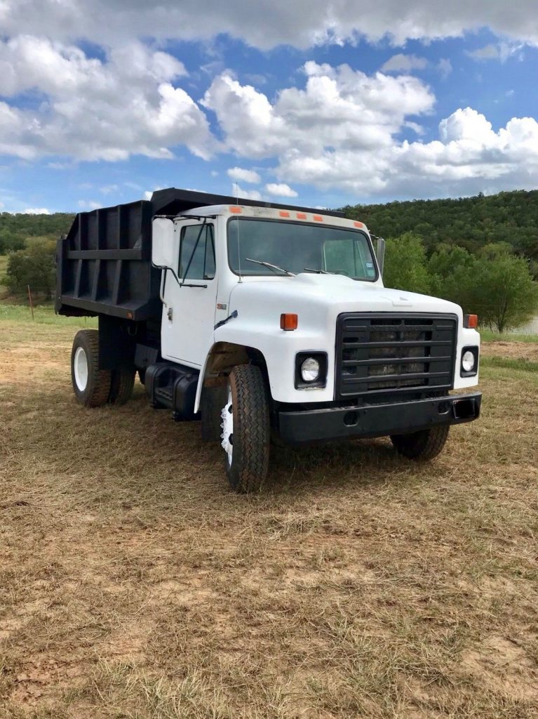 strong and solid 1984 International S1700 dump truck
