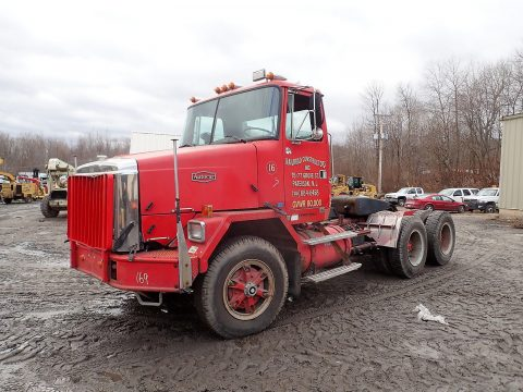 excellent runing 1988 Autocar ACL64 truck for sale