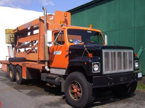 low miles 1988 International bucket truck for sale