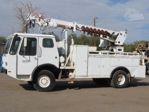 solid 1985 Telect Commander 4500 truck for sale