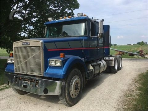 very clean 1986 Volvo WXLL42 truck for sale
