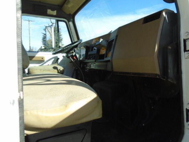 clean 1990 International 4700 Chipper DUMP Truck