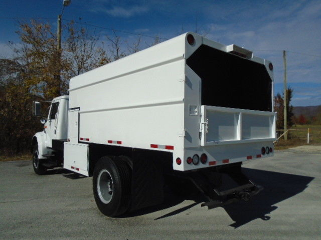 clean 1990 International 4700 Chipper DUMP Truck