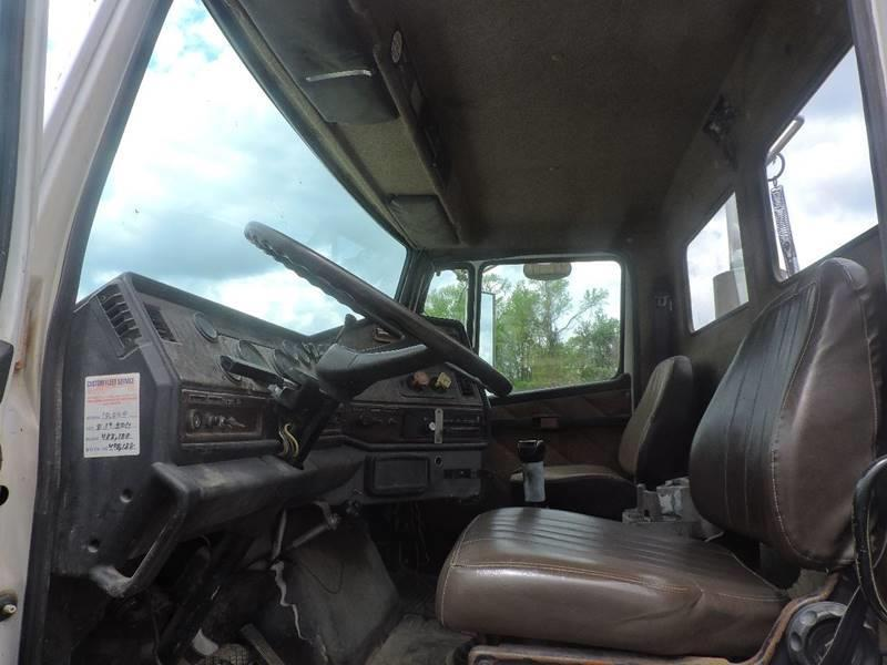 good shape 1990 Freightliner Road Tractor Day Cab truck