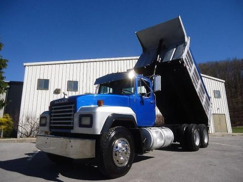 great working 1993 Mack RD690S truck for sale