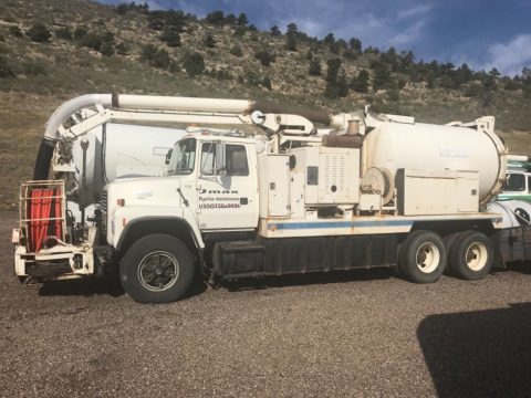 low miles 1993 Ford L 8000 vacuum truck for sale