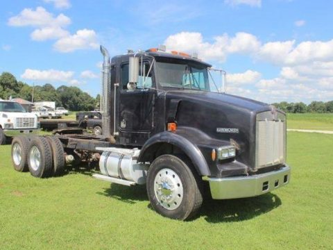 solid 1990 Kenworth T800 Tandem Axle truck for sale
