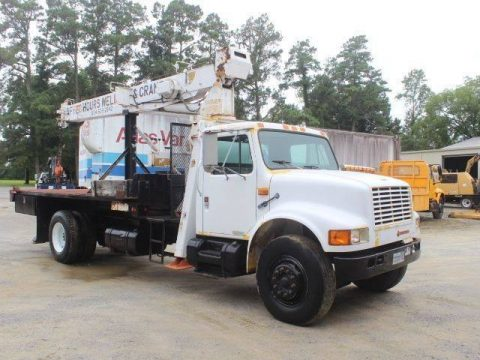 solid 1991 International 4900 Crane TRUCK for sale