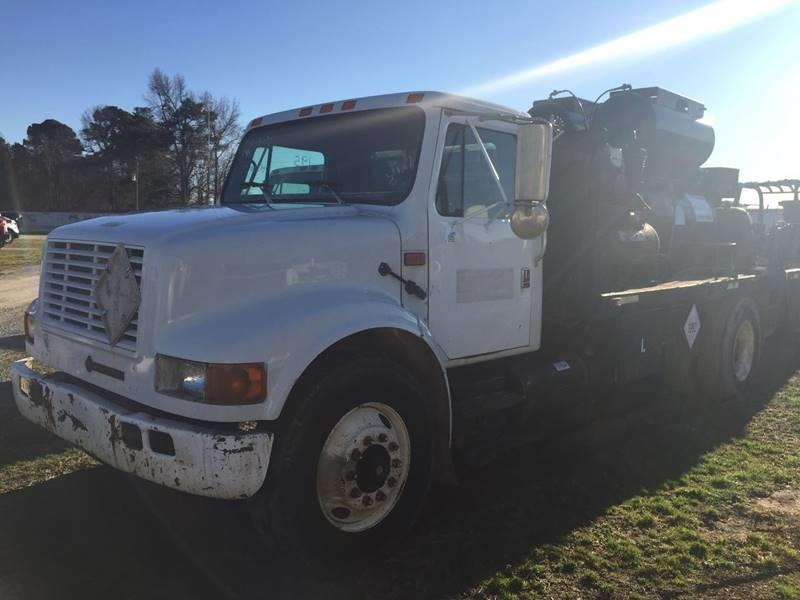 solid 1994 International 4900 Fuel Truck