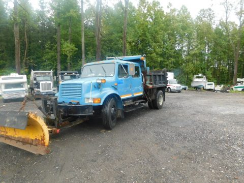 well running snow plow 1991 International 4900 truck for sale