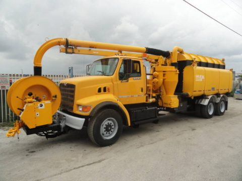 Hydro Excavator 1997 Ford LT8501 truck for sale