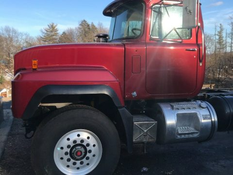 new parts 1997 Mack RD688S truck for sale