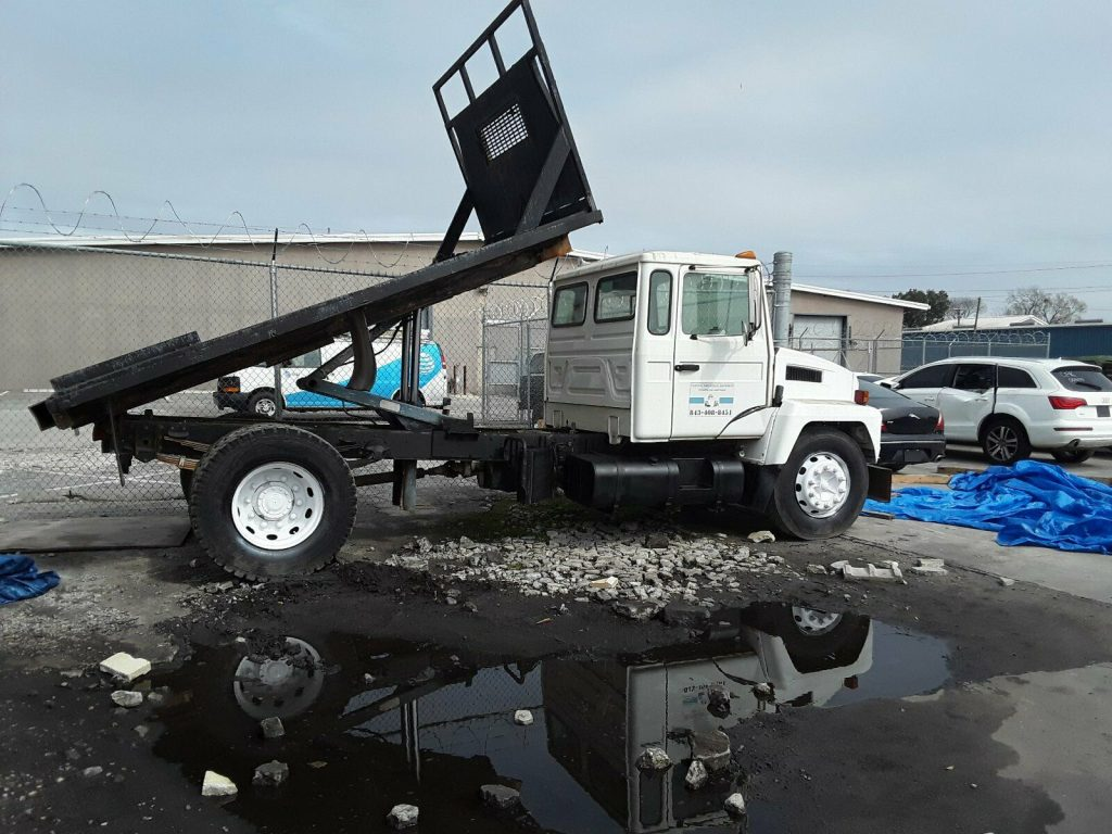 great running 1998 Mack 3500 Midliner with Flatbed Dump Truck