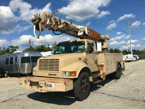 low original miles 1998 International 4900 truck for sale