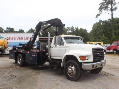 solid 1998 Ford F800 truck for sale