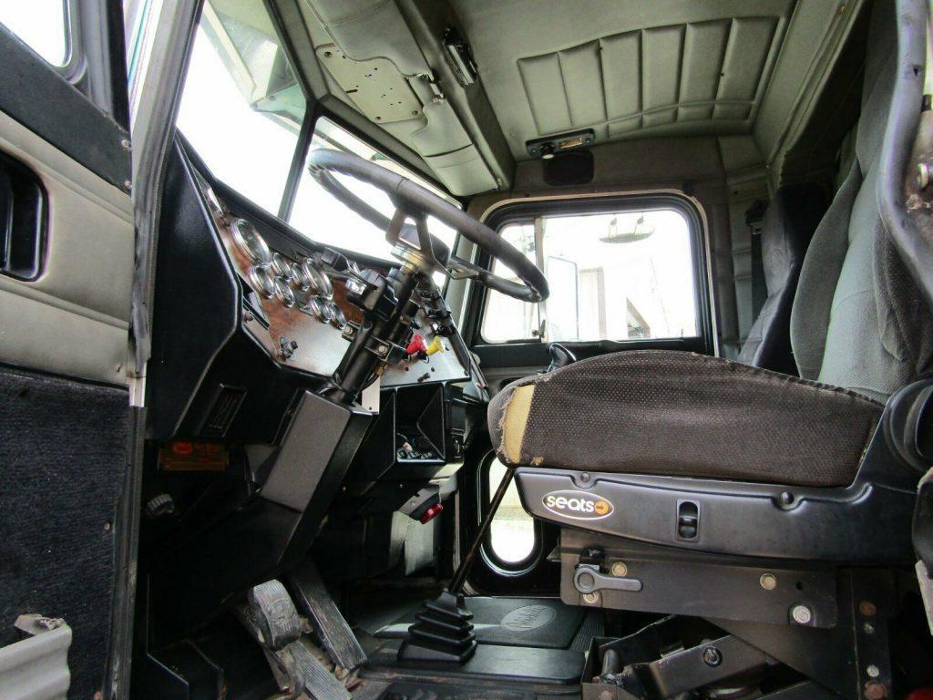 very nice 1998 Peterbilt 379 truck