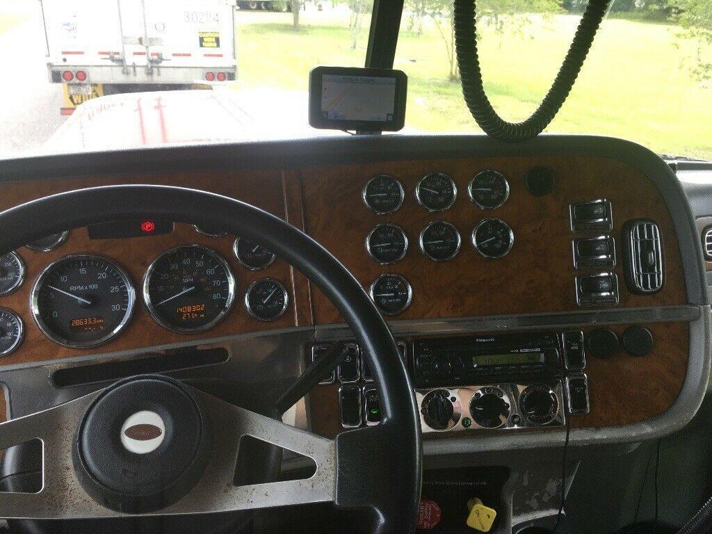 nice 2006 Peterbilt 379 truck