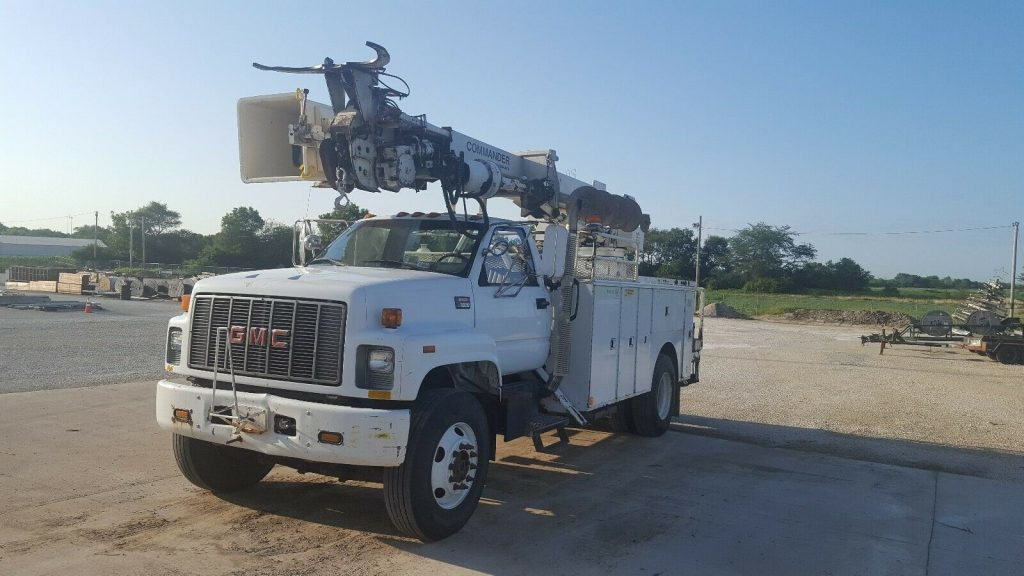 everything works 2000 GMC C7500 Digger Derrick truck