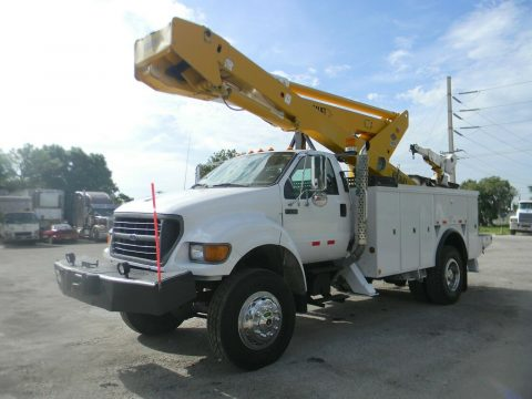 well equipped 2000 Ford F750 Super Duty truck for sale