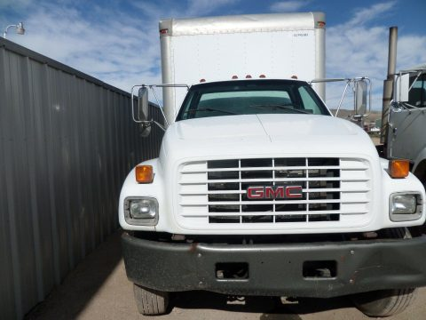 well serviced 2000 GMC 6500 box truck for sale