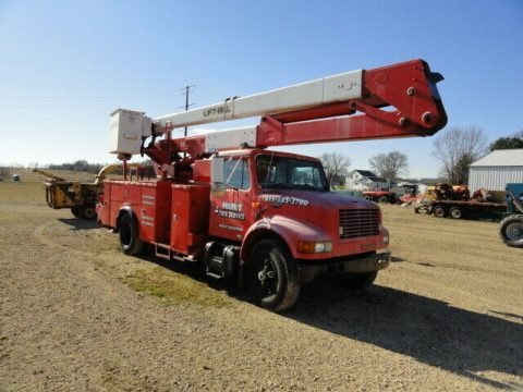 good running 2000 International 4900 truck for sale