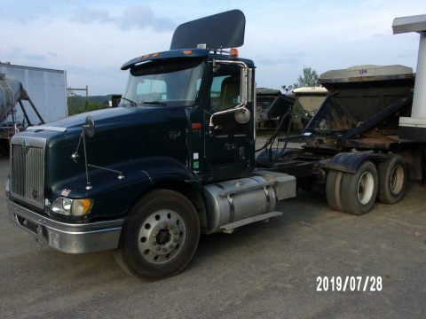 solid 2000 International 9400 truck for sale