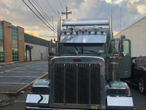 great shape 2001 Peterbilt truck for sale