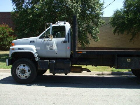 Moffett Piggie 2002 Chevrolet C8500 truck for sale