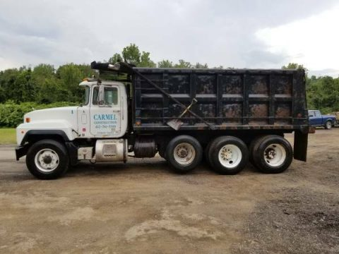 ready for work 2001 Mack RD688S truck for sale
