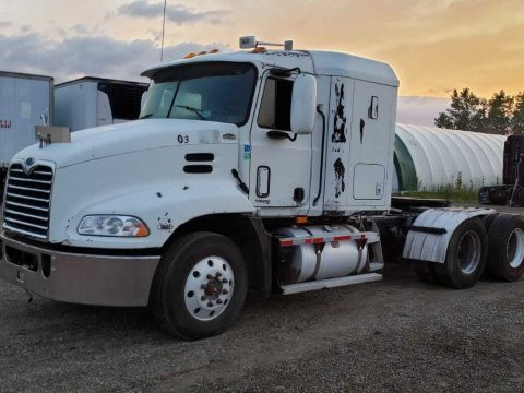 strong 2001 Mack Vision CXN613 truck for sale