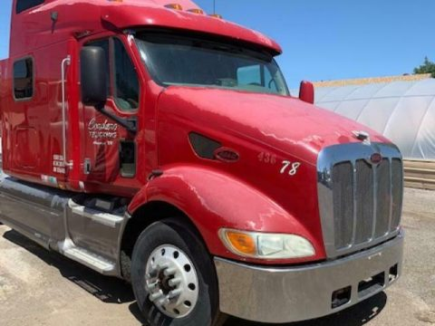 very solid 2001 Peterbilt truck for sale