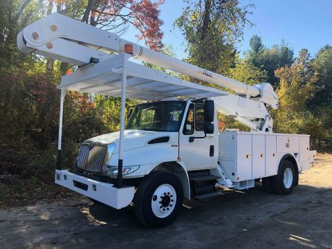 clean 2009 International 4300 truck for sale