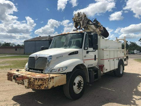 digger 2003 International 4400 truck for sale