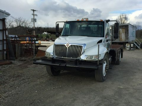 excellent shape 2003 International 4300 truck for sale